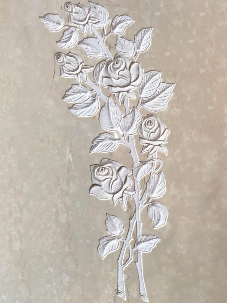 Decorazioni floreali in marmo o granito - Boccioli di rosa