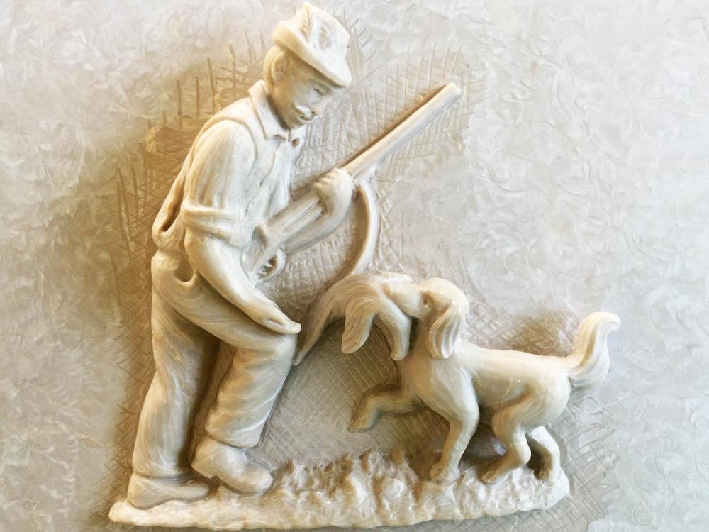 Lavori personalizzati in marmo o granito - Cacciatore con cane