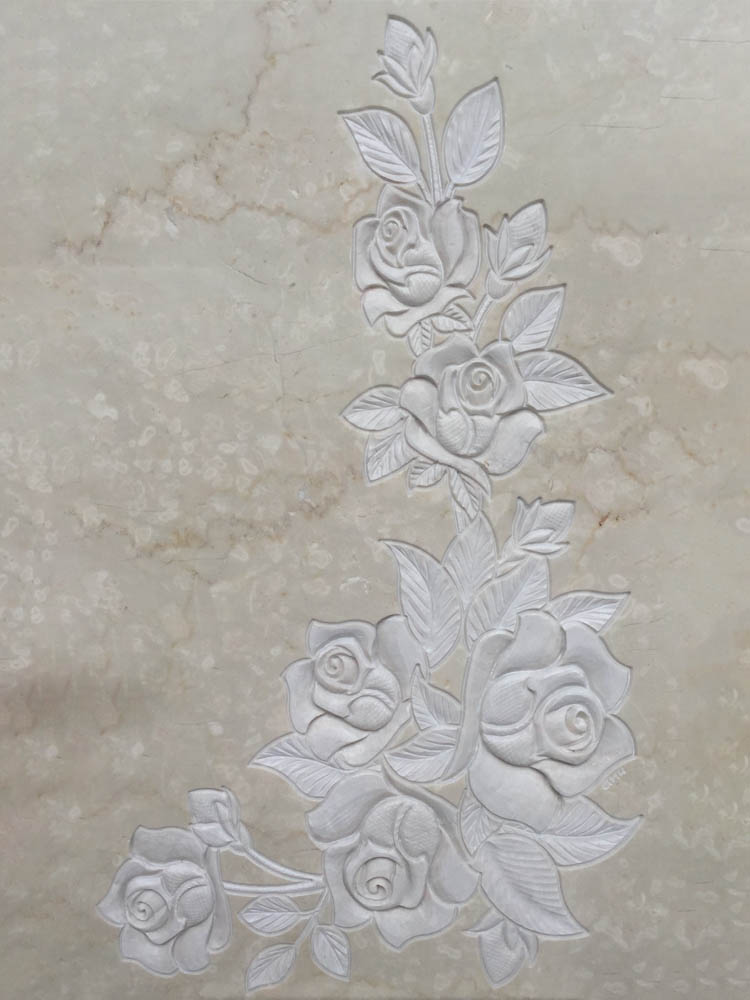 Floral decorations in marble or granite – Angular roses