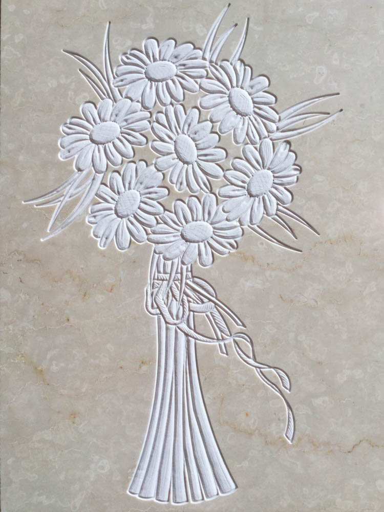 Floral decorations in marble or granite – Bouquet of daisies