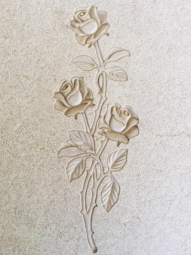 Floral decorations in marble or granite – Roses with leaves
